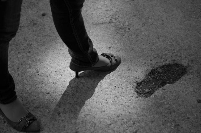 아련한 그녀의 작은 발..